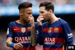 (i-e) Neymar Da Silva y Leo Messi.