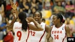 Las jugadoras de Cuba celebraron el oro al vencer a Puerto Rico en la final de baloncesto femenino, en el marco de los XXII Juegos Centroamericanos y del Caribe Veracruz 2014 que se realizan en el puerto mexicano de Veracruz.