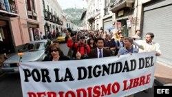 PERIODISTAS ECUATORIANOS SE MANIFIESTAN PARA REIVINDICAR LA PROFESIÓN