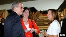 Roberta Jacobson (c) y Josefina Vidal encabezarán la 2da ronda de conversaciones EEUU-Cuba, centrada en la reapertura de embajadas.