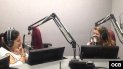 La actriz cubana Judth González en Radio Martí