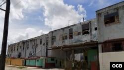 El antiguo matadero en Lawton, La Habana sirve de casas a decenas de familias desde 2009.