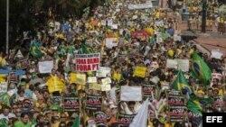 Brasileños vuelven a protestar en las calles