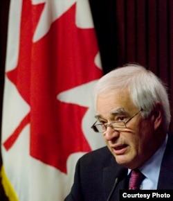 El ex embajador de Canadá en La Habana James Bartleman