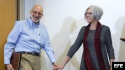 Alan Gross comparece ante la prensa, junto a su esposa, Judy Gross en Washington DC
