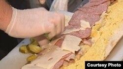 Preparan el sándwich cubano más grande de todos los tiempos