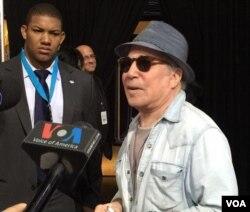 Paul Simons en Filadelfia para la Convención Demócrata