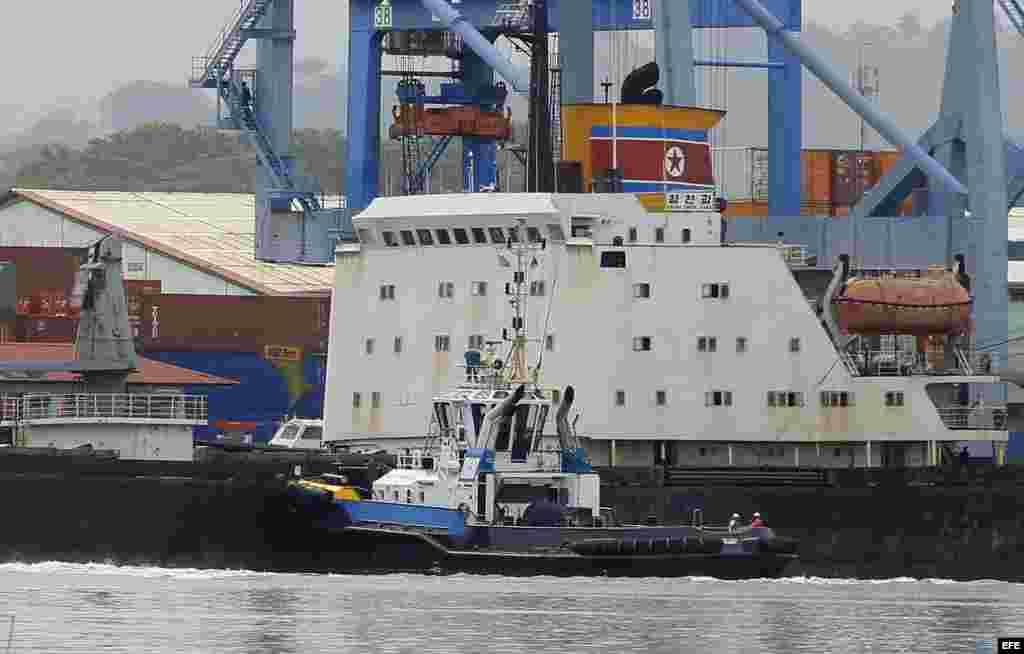 Julio, 2013 - Vista del barco norcoreano Chong Chon Gang atracado en el muelle de Manzanillo de la caribeña ciudad de Colón (Panamá). Las autoridades panameñas retuvieron en Colón.