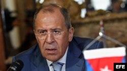 El canciller ruso, Serguei Lavrov, habla durante su encuentro con su homólogo cubano, Bruno Rodríguez, en Cuba