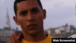 Rapero de Bayamo exige con una huelga de hambre su libertad