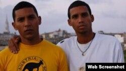 Angel Yunier Remon (izq) y Yadier Blanco (der)