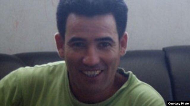 http://gdb.martinoticias.org/D9C7C1BB-4C72-4232-A9D9-62281155A6AD_w640_r1_s_cx0_cy24_cw48.jpg