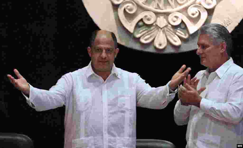 El presidente de Costa Rica, Guillermo Solís en el aula magna del Colegio Universitario San Gerónimo de La Habana (Cuba).