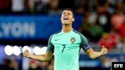 Cristiano Ronaldo celebra su gol.