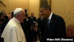Presidente Barack Obama se reúne con el papa Francisco. Foto de archivo.