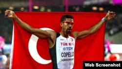 Yasmani Copello, ganador de medalla de plata en el Campeonato Mundial de atletismo Londres-2017.