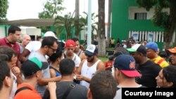 Avalancha de cubanos en la frontera sur de México