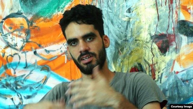 """El grafitero cubano Danilo Maldonado, """"El Sexto""""."""