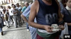 El dólar circuló libremente en Cuba desde 1994 hasta 2004 (EFE).