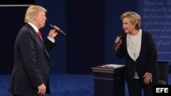 Intercambio de argumentos en el segundo debate presidencial entre Clinton y Trump