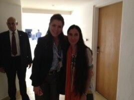 Yoani Sánchez (d) y Natalia Crujeiras (i) de Martinoticias.com