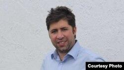 """1800 Online con Salvi Pascual, creador de """"Pizarra"""", un twitter para cubanos sin Internet"""