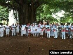 Reporta Cuba Damas de Blanco domingo 12 en Parque Gandhi La Habana Foto Angel E Escobedo