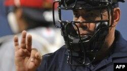 El umpire.