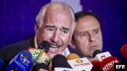 Expresidentes latinoamericanos piden reunión con Maduro.