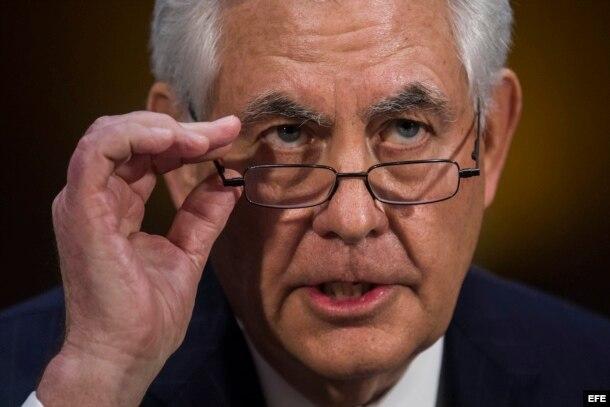El exjefe de la petrolera ExxonMobil, Rex Tillerson, testifica en su primera audiencia de confirmación en el Senado de EEUU como futuro secretario de Estado.