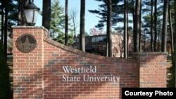 Westfield State University (Manon Mirabelli).
