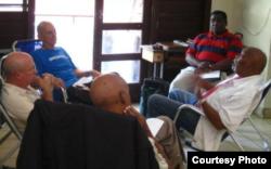Opositores cubanos se reunieron en La Habana, el 1 de abril de 2014.