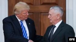Trump confirma al general Mattis, exjefe militar en O. Medio, para Pentágono