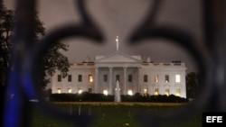 """Vista de la Casa Blanca tras el paso del ciclón tropical """"Sandy"""" en Washington (Estados Unidos)."""