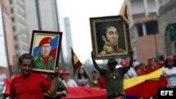 Miles de venezolanos participan el 23 de enero de 2013 en una marcha en Caracas (Venezuela)