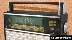 Las transmisiones de Radio Martí eran captadas en Cuba con radios soviéticos de onda corta VEF 206 y Selena.