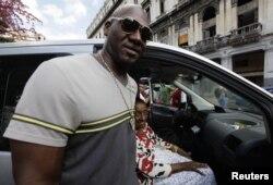 José Ariel Contreras sólo pudo volver a Cuba después de retirarse del béisbol.