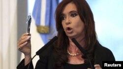 La política proteccionista y populista de la presidenta Cristina Fernández está cerrándole a Argentina uno de sus principales mercados.