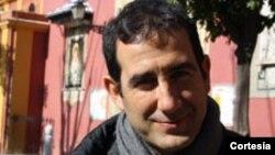 Foto de archivo del párroco Alberto Reyes Pías