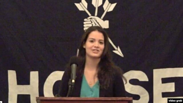 Carolina Ragolta habla en un acto en febrero de 2012 en la Universidad de Harvard.