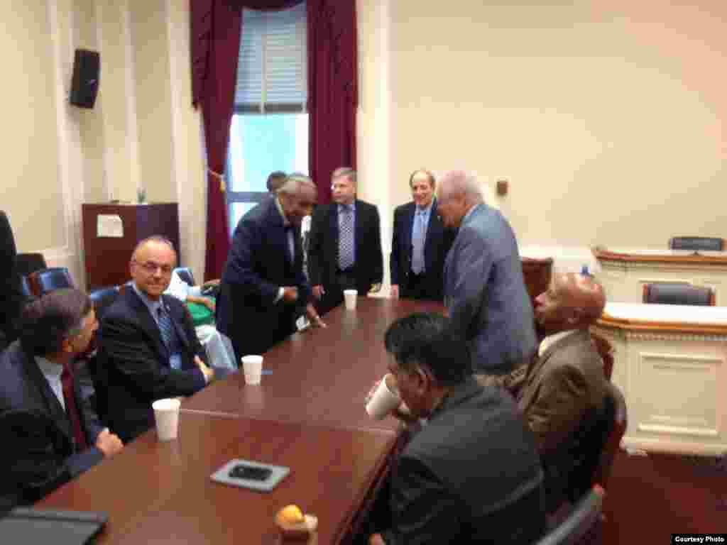 Guillermo Farinas y Elizardo Sánchez en la reunión con el congresista Charles Rangel