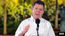 El presidente Juan Manuel Santos viaja este miércoles a la isla acompañado de su canciller, María Ángela Holguín.