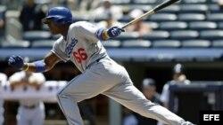 El jugador de los Dodgers Yasiel Puig en acción ante los Yanquis el miércoles 19 de junio de 2013.