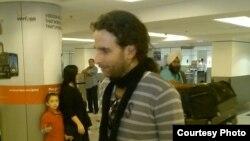 1800 Online con el escritor cubano Orlando Luis Pardo Lazo