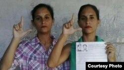 Las gemelas Adairis y Anairis Miranda, sancionadas a un año de cárcel en Holguín luego de la muerte de Fidel Castro.