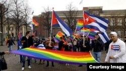 Cubanos en busca de asilo se manifiestan frente a parlamento holandés