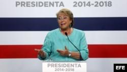Chilenos esperan que Bachelet aborde tema de derechos humanos con Maduro