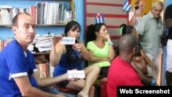 Ciudadanos y activistas durante la realización de un taller en La Habana, el pasado año.