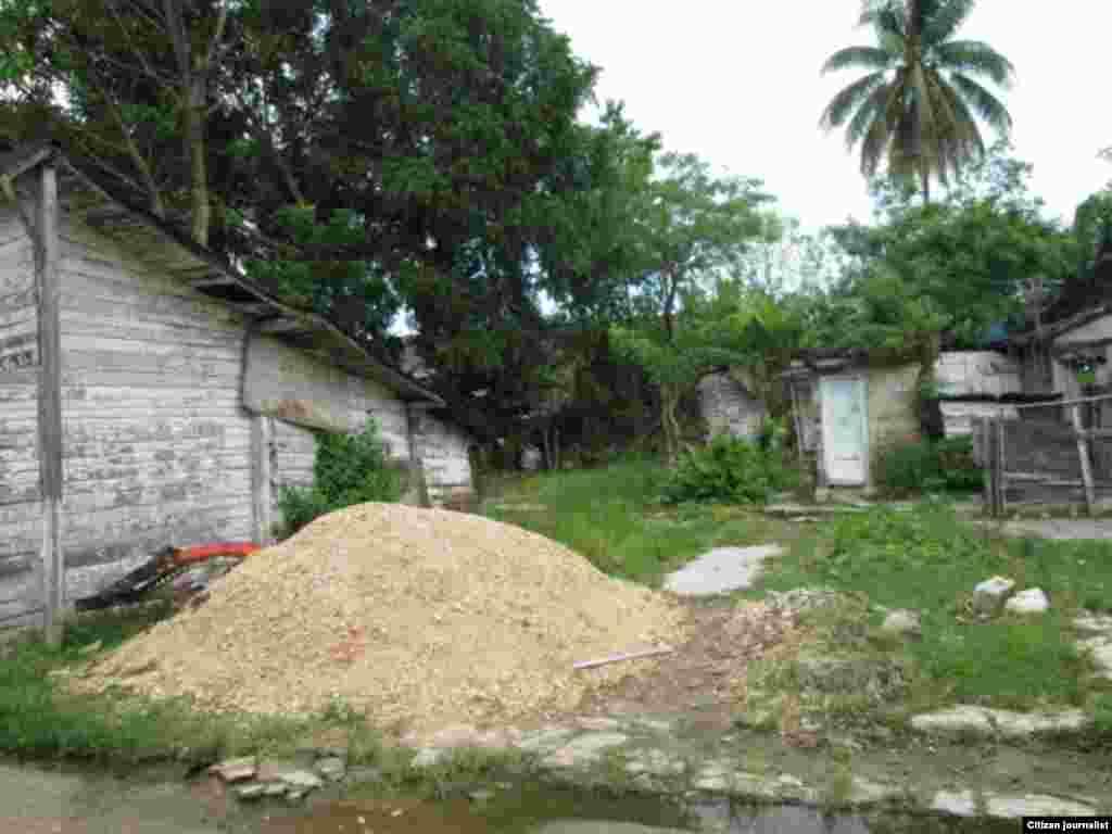Calle Méndez en la localidad de Vueltas, Villa Clara foto cortesía de Cristianosxcuba para Reporta Cuba.