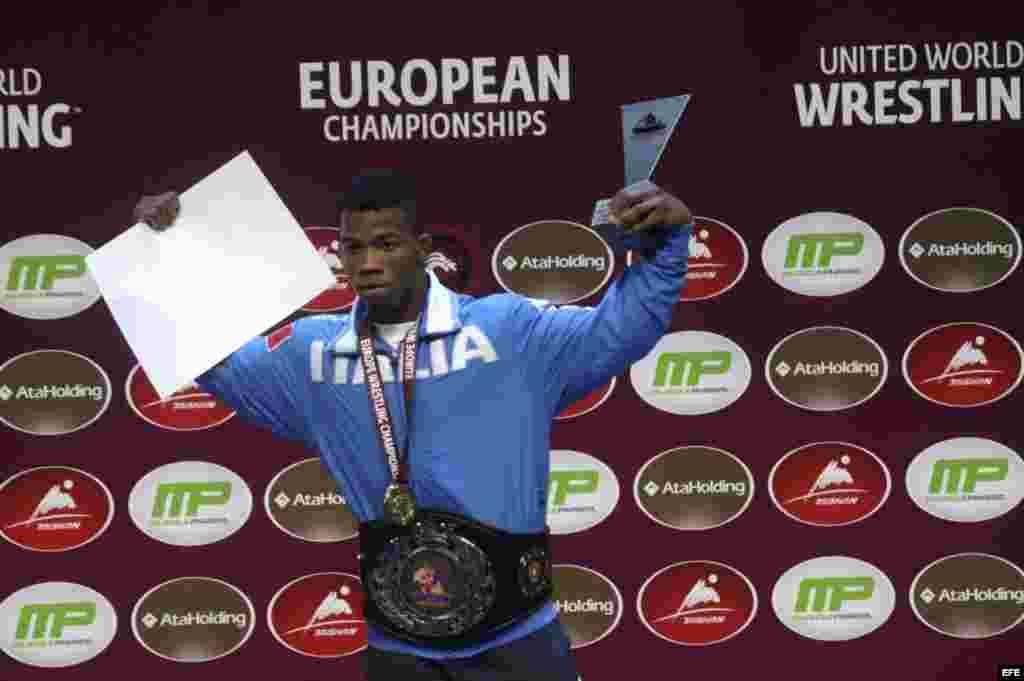 Frank Chamizo Márquez (Luchador estilo libre). Representa a Italia en los Juegos Olímpicos de Río de Janeiro.